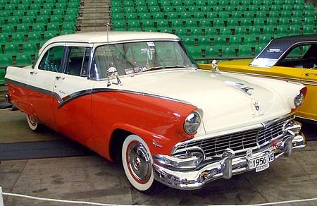 1956 Ford Fairlane V8
