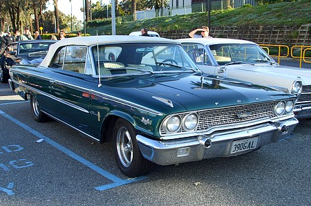 Ford Galaxy with 390 V8