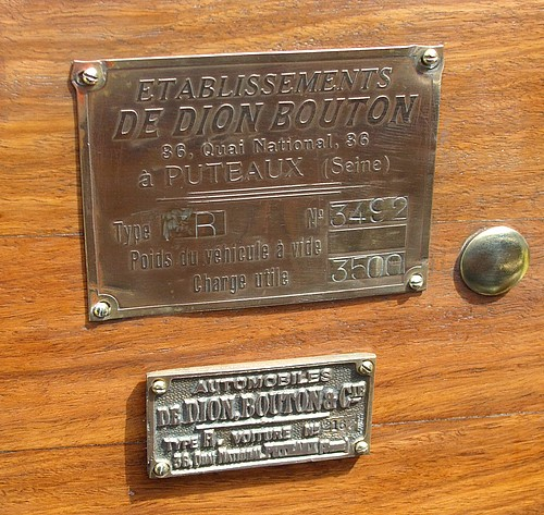 De Dion identification badge