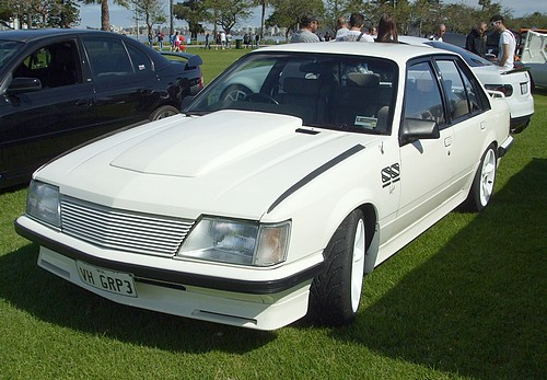 Holden VH Commodore SS