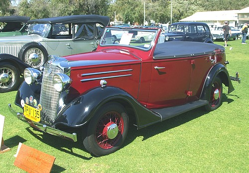 1936 Vauxhall DX 4 Door Tourer