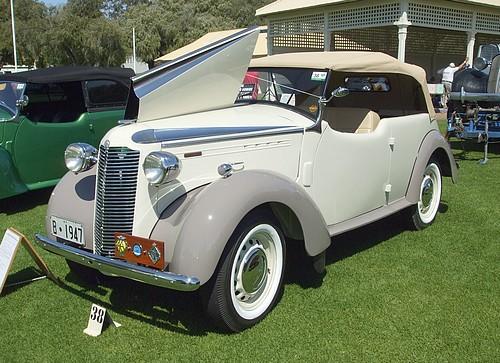 1947 Vauxhall Wyvern Caleche