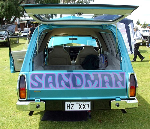 Holden HZ Sandman