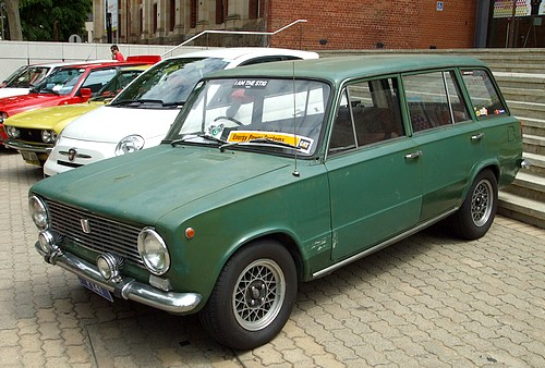 FIAT 124 wagon