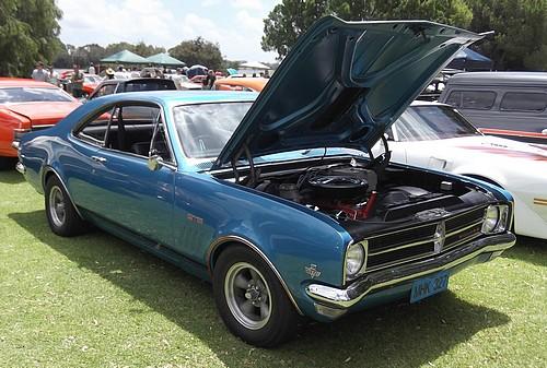 Holden HK Monaro 327