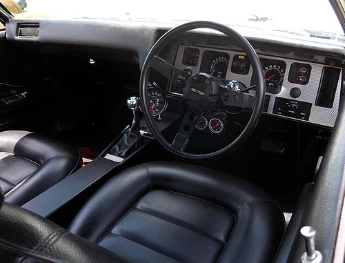 Holden HQ GTS interior