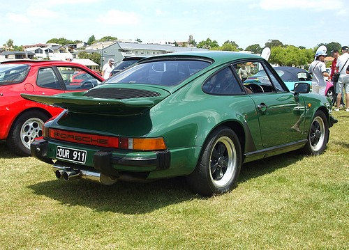 Porsche 911 with whale tail