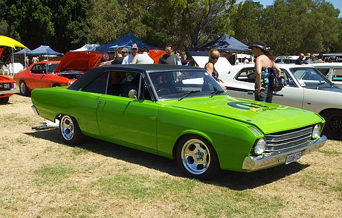 VF Valiant 2 door in green