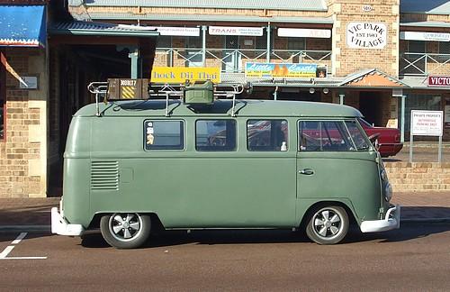 Green VW Kombi splitscreen
