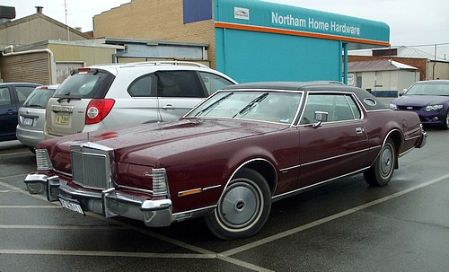 Lincoln Continental Mark IV pimpmobile