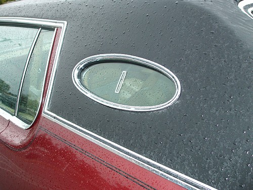 Lincoln Continental Mark IV porthole windows