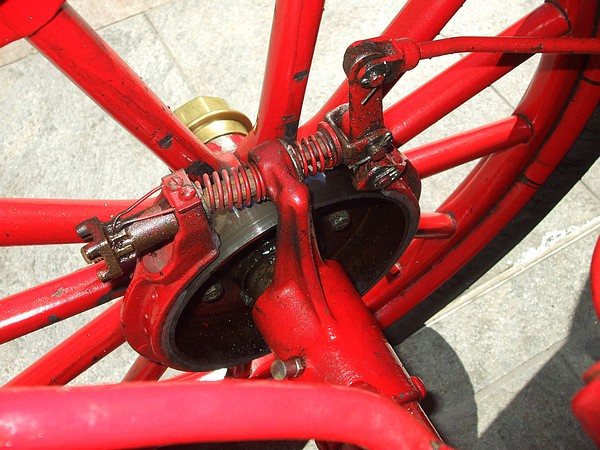 1909 Maxwell Model A mechanical brakes