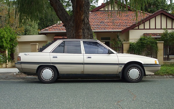 Mitsubishi Magna GLX