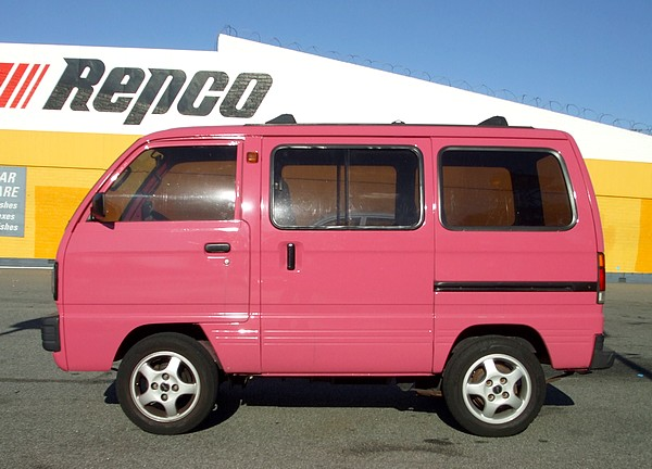1985 Suzuki Carry in pink