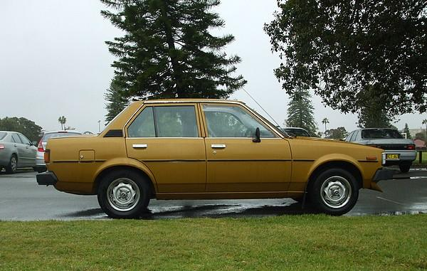 Gold 1982 Toyota Corolla CS KE70