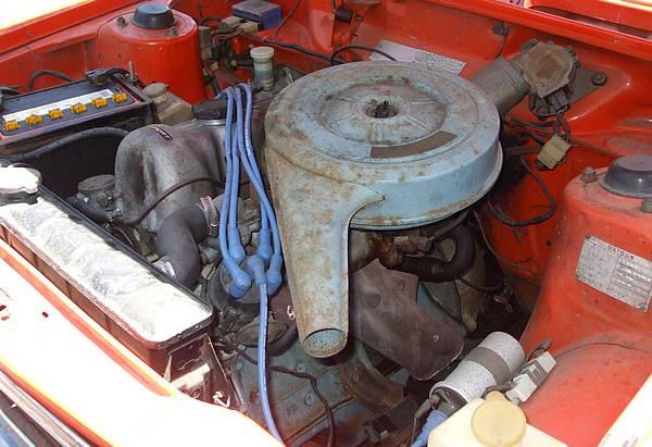 1971 Datsun 1600 GL engine