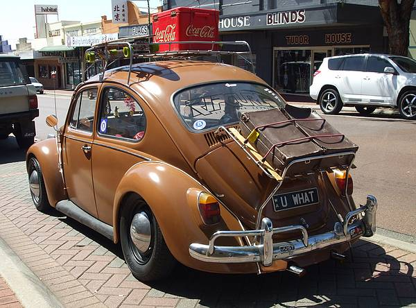 Brown VW Beetle Deluxe