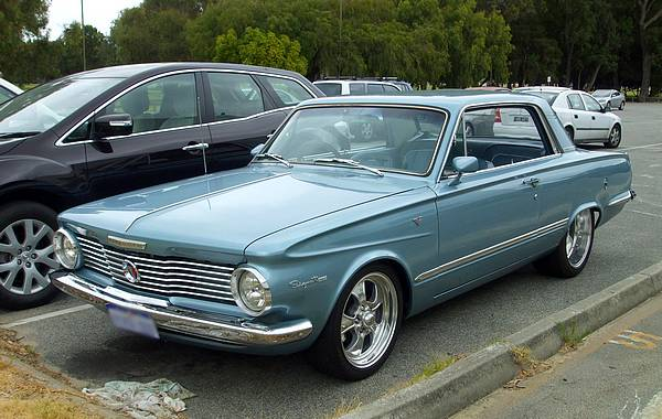 Plymouth Valiant Signet V200