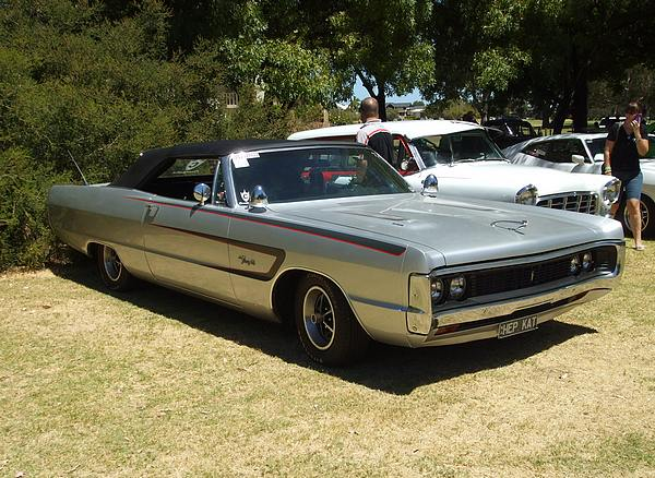 Plymouth Fury III silver