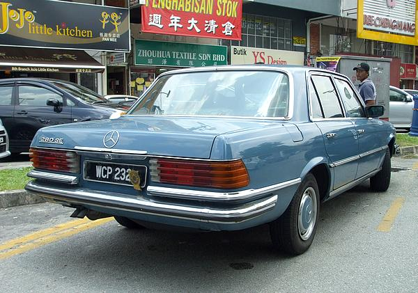 Mercedes 280SE in Petaling Jaya SS2