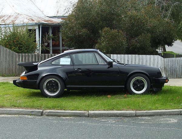 Black Porsche 911SC