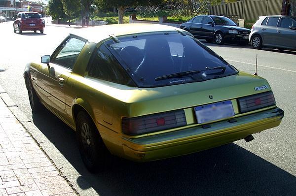 Green Mazda RX-7 Series 3
