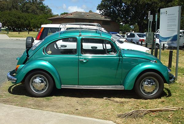 Metal flake green Volkswagen Beetle 1300