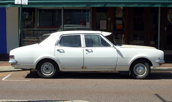 White HK Holden Kingswood