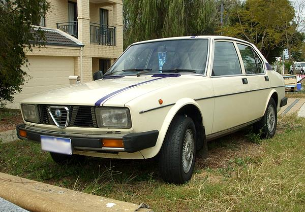 Alpha Romeo Alfetta 2.0