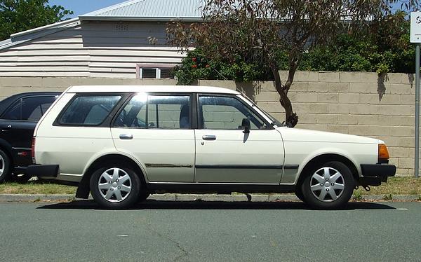 White Mazda 323 FA4 Wagon