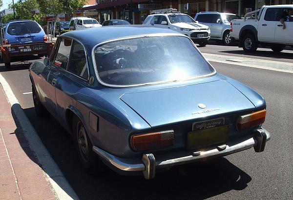 Blue Alfa Romeo GTV 2000