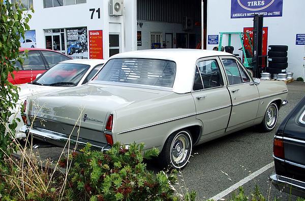 Holden HR Special X2