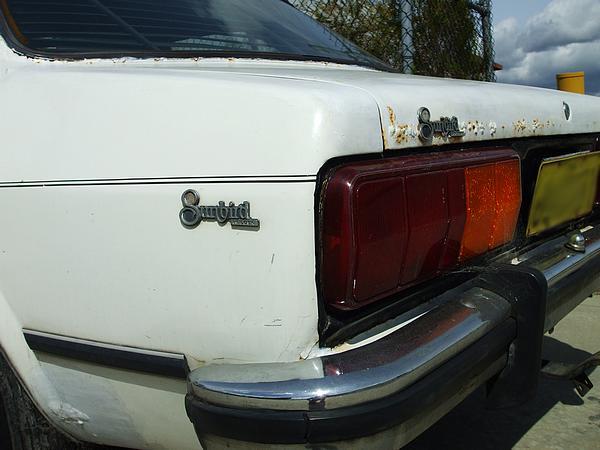 White Holden LX Sunbird