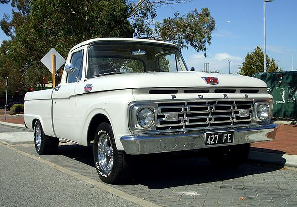 Ford F100 Custom Cab