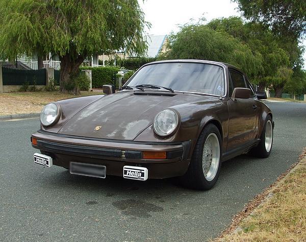 Brown Porsche 911SC