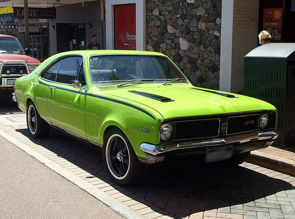 Holden HG Monaro 350 in lime green