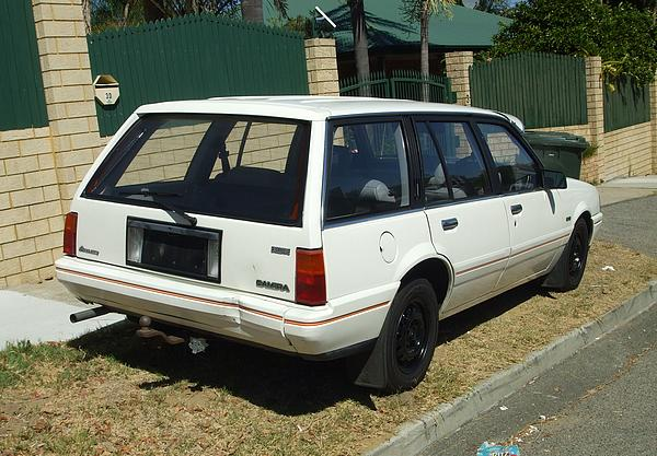 Holden JE Camira Executive