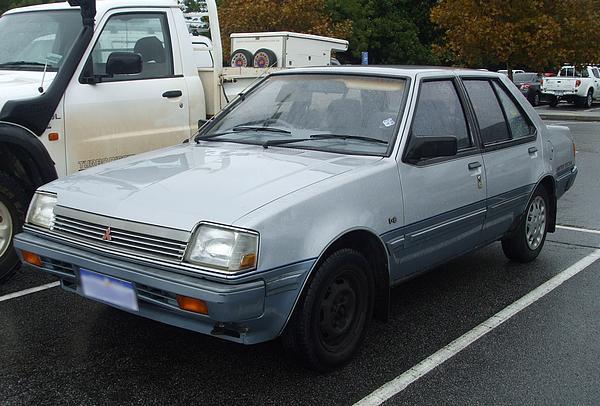 Mitsubishi RD Colt GL Sedan: