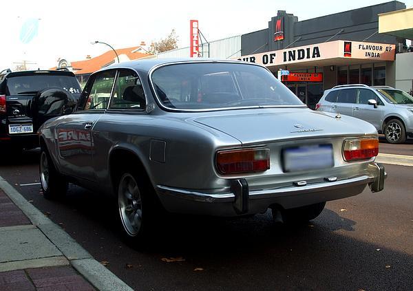Alfa Romeo 2000 Veloce silver