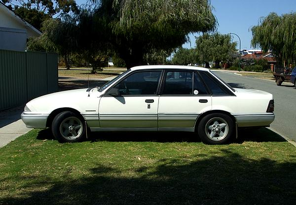White Holden VL Commodore Calais