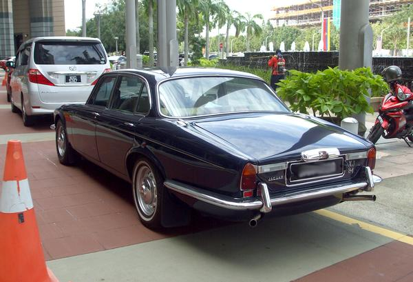 jaguarXJ3